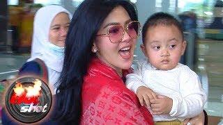 Syahrini Ajak Keluarga Besar Rayakan Idul Fitri di Hongkong - Hot Shot 24 Juni 2017