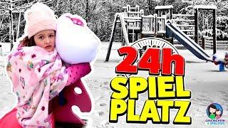 24h GANZ ALLEINE AUF DEM SPIELPLATZ CHALLENGE 😱  Hält Ava die Kälte aus? Geschichten und Spielzeug