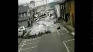 Dramatic footage of tsunami.Video amador da chegada do tsunami!