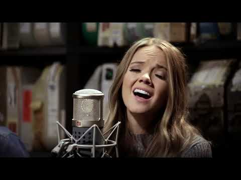 Danielle Bradbery - Worth It - 11/29/2017 - Paste Studios, New York, NY