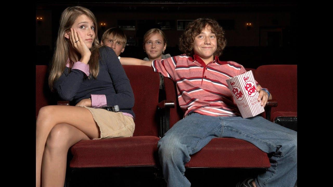 смотреть девушку тискают в кинотеатре - 2