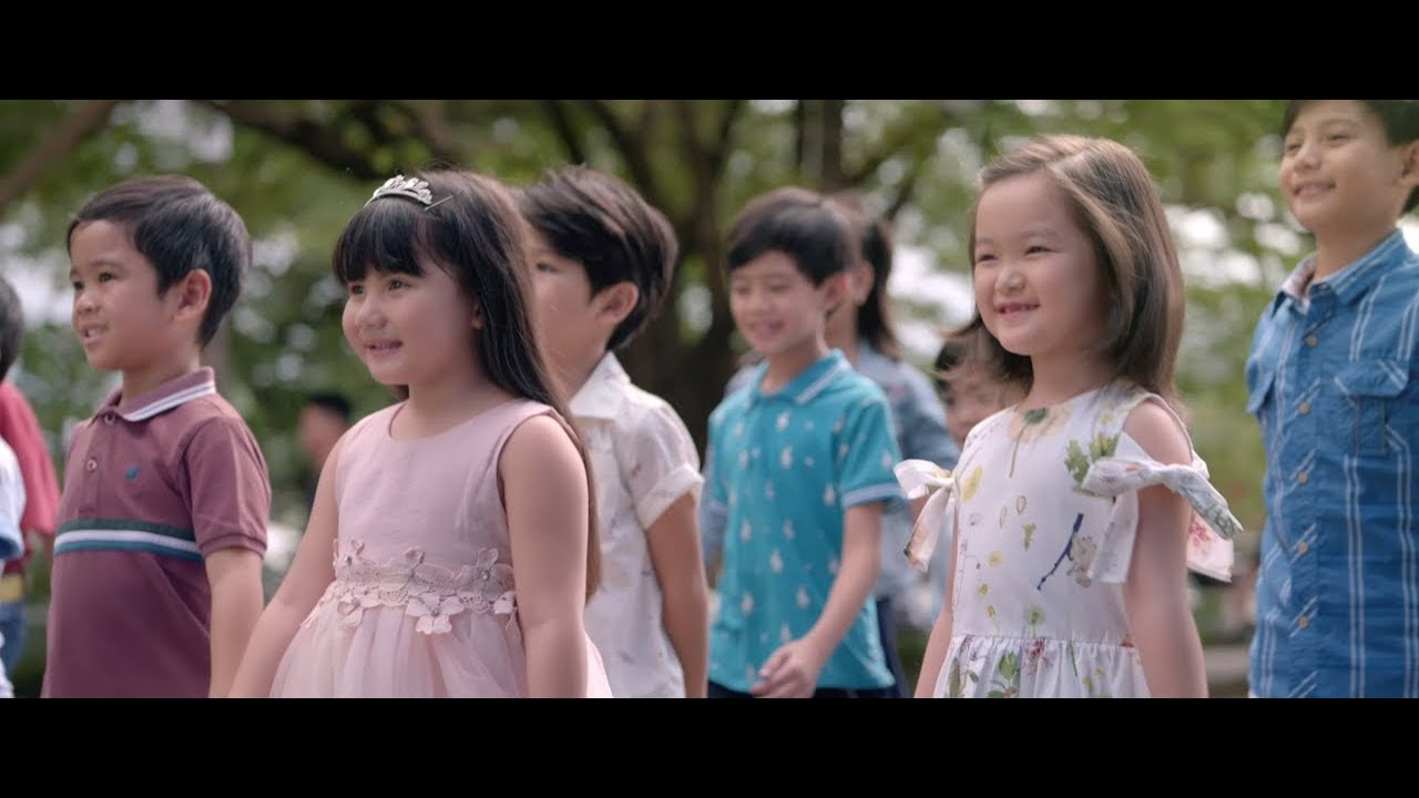 "Philippine Airlines Christmas 2018: ""Regalo"""
