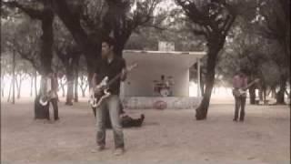 「赤い糸」主演の南沢奈央がデビュー前に出演していたミュージックビデ...