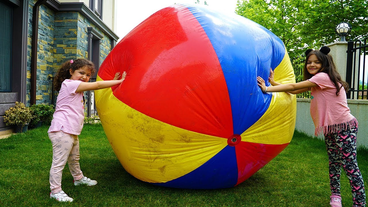 Download Kids and Mommy pretend play Big Ball - Fun Video