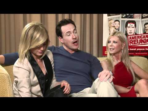 Smallzy, Mena Suvari & Tara Reid call Chris Klein a sex pest