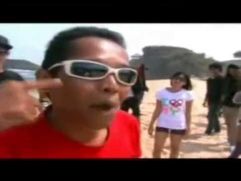 SWEET ANGELA POP - APA MAUMU official video clip ( Indie Yogyakarta Pop Punk Melodic )