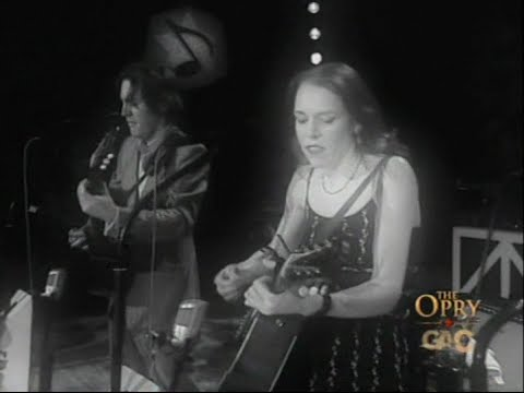 Emmylou Harris & Elvis Costello - Grand Ole Opry - 02-18-2006