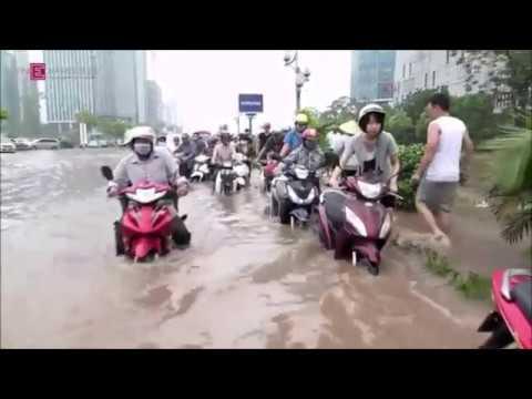 Mưa lũ lớn ngập lụt lịch sử tại Hà Nội