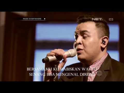 TULUS - Lyric Video Sahabat Kecil (Ipang Cover) - Musik Everywhere