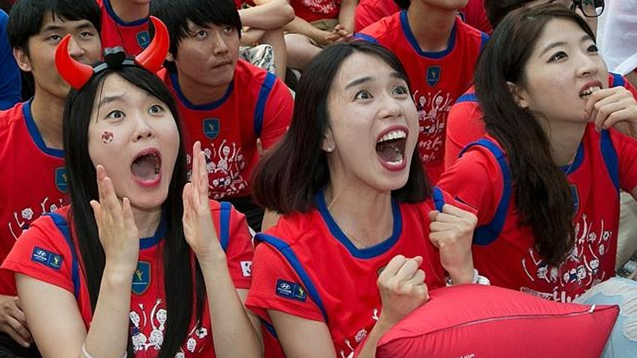 Korea Fans React & Celebration After Germany Loss to Korea