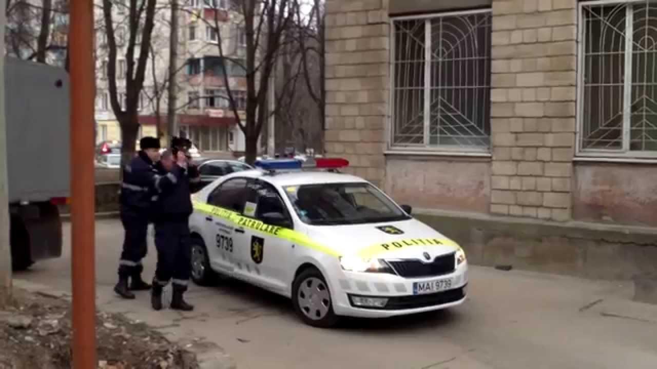 Poliția-i în alertă, protest la Judecătoria Rîșcani