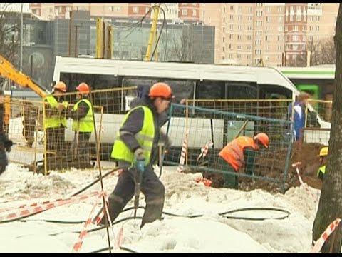 Смотреть Почему мигранты из СНГ уезжают из России? (новости) онлайн