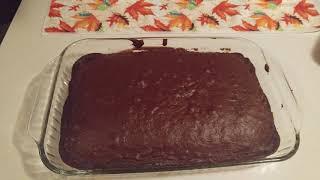Easy Halloween decorated chocolate cake 🎃💀👀👻