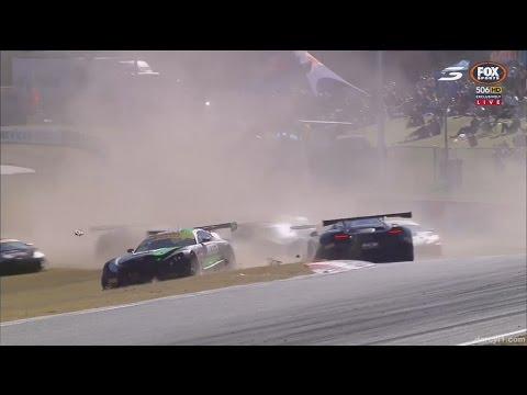Australian GT Championship 2017. Race 2 Barbagallo Raceway. Start Crash