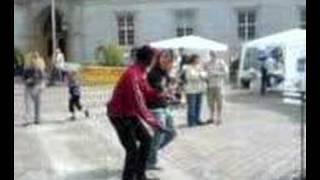 Skide danser med en Neger