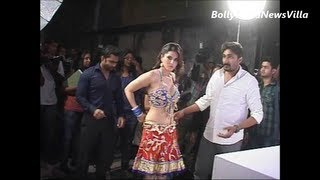 Repeat youtube video Sunny Leone's pre photoshoot preparations UNSEEN VIDEO.