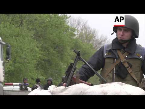 Negotiators resume talks with pro-Russians for release of observers