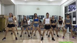 How's this huyna dance cover by 2d club