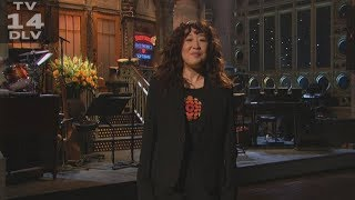 Sandra Oh shows her Canadian pride while hosting Saturday Night Live