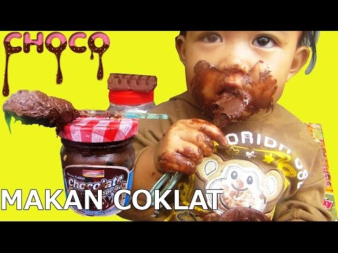 Funny face ! Baby caught eating chocolate - Baby eating chocolate for the first time @lifiatubehd