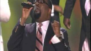 "Hezekiah Walker  sings ""Souled Out"""