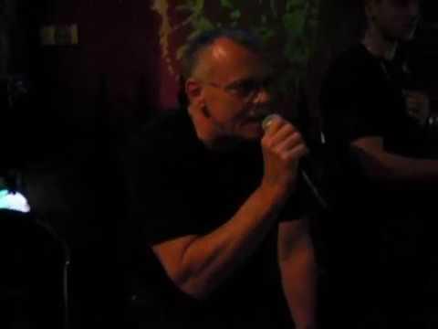 Horst singt auf Karaoke Sailing