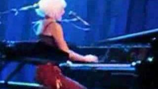 Tori Amos-Philadelphia-10.15.07-You Can Bring Your Dog REMIX