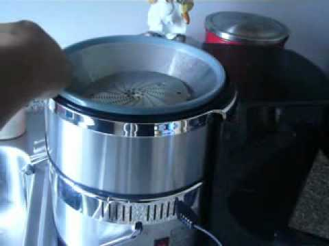How To: Open the Jack Lalanne's Juicer Deluxe