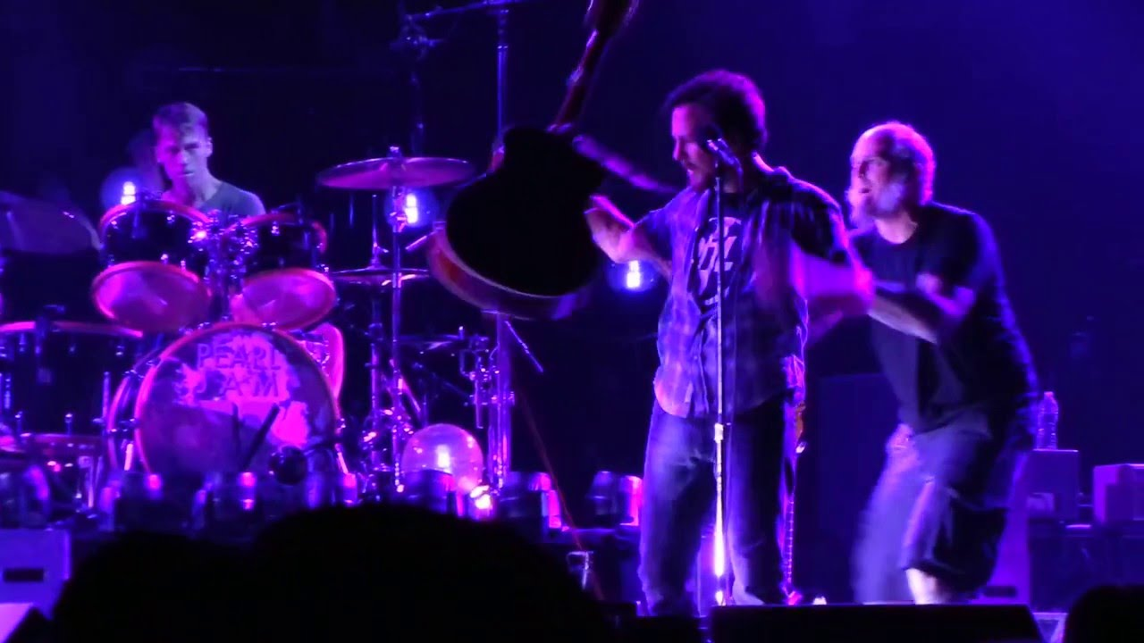 Pearl Jam - Sirens (Live at Los Angeles, 11-24-2013)