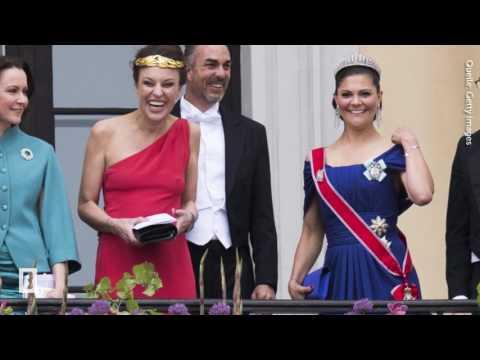 Auf diesem Bild gibt's den Fashion-Skandal des Abends! - Victoria, Daniel & Co.  - BUNTE TV