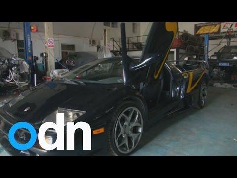 Two men build a Lamborghini Diablo in China