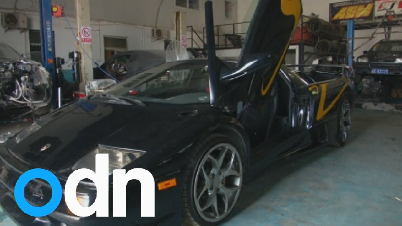 Two Men Build A Lamborghini Diablo In China