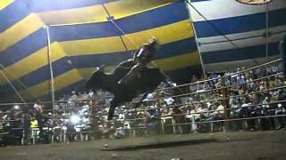 ASTROS DEL JARIPEO UN SUPER AGARRON EL ELIMINADOR DE LOS DESTRUCTORES VS GUILO DE QUERETARO
