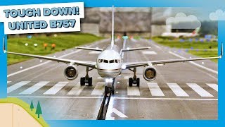 TOUCH DOWN - First Flight of the United Airlines B757 at Miniatur Wunderland