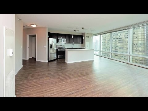 Tour a 2-bedroom, 2-bath at Streeterville