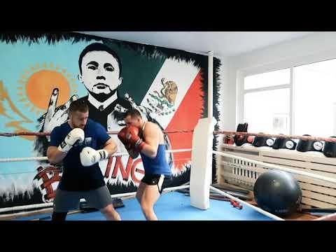 Тренировка в Leader Muay Thai Club.