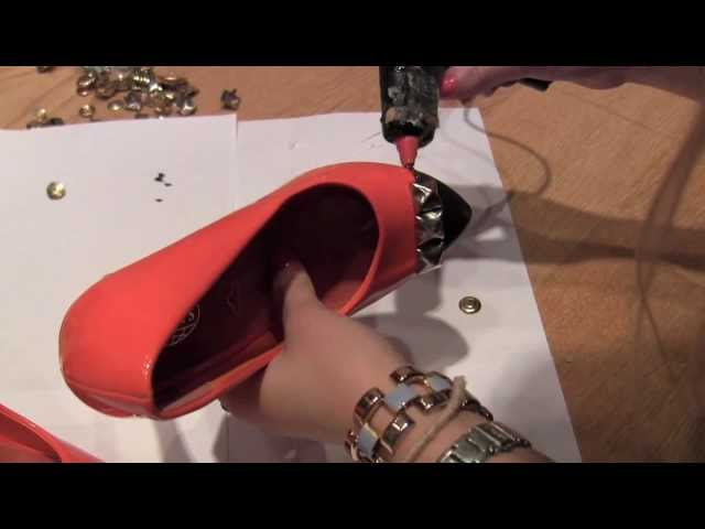 Edge up your old shoes with studs and paint