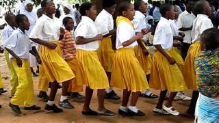 taniec afrykańskich dzieci :)