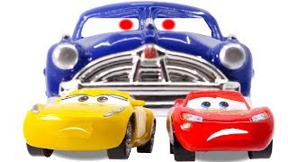 Download Disney Cars3 Toys Movie Cruz Ramirez Doc Hudson Lightning McQueen on Fireball Beach for Kids Mp3 and Videos