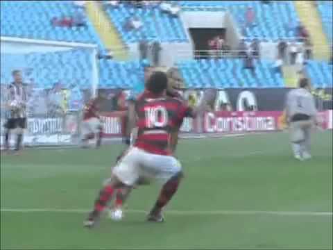 Jael, atacante do Flamengo em 2011 - *BL