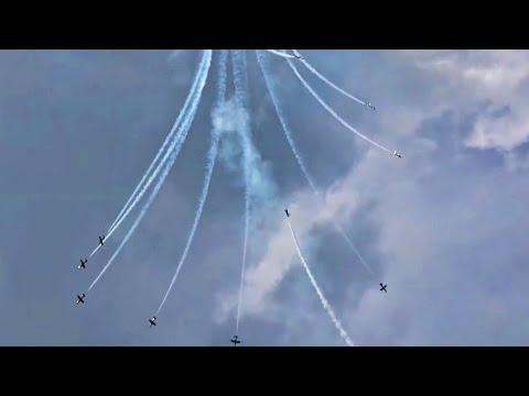 Frecce Tricolori   AEROBATIC JET FLIGHT