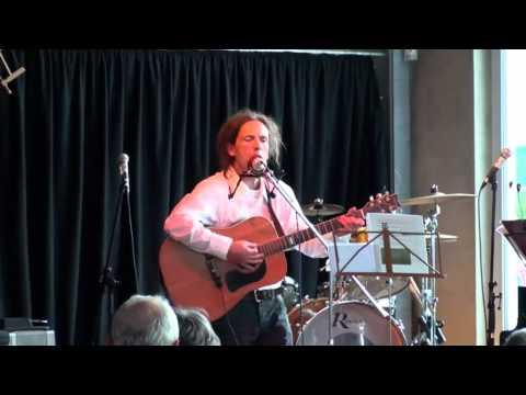 """Tom Kirk - """"Spinnen können niemals Freunde sein"""", live im """"Kukuc"""""""