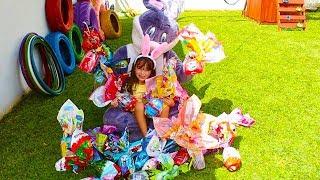 CAÇA AOS OVOS DE PÁSCOA COM O COELHINHO DA PÁSCOA  Easter Egg hunt Surprise Toys Challenge for Kids