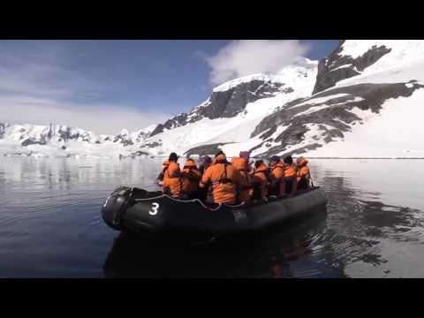 Antarctic Cruise Tour  2015/12  -  Cuverville Island