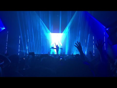 Virtual Self Live Set (Full) NOS Events Center 09/28/18 [4K]