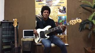 Sanchez Bass - Richard Bona
