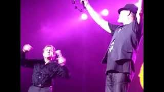 The Monkees live in Liverpool singing Daydream Believer