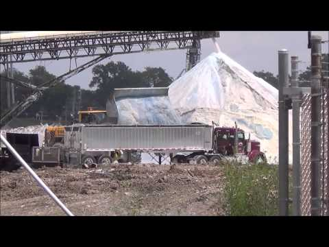 1st loads of Loading Salt-RailFanning-Grand River, Ohio