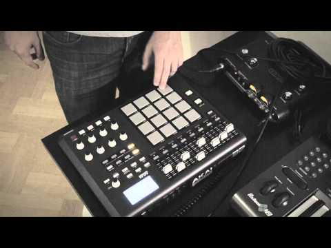 Akai MPD32 - Danger - 11h30 Remix