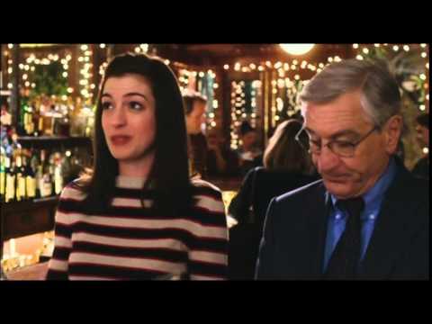 2046 v3_De Niro, Hathaway hit 'The Intern' premiere